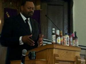 pastor-illistrating